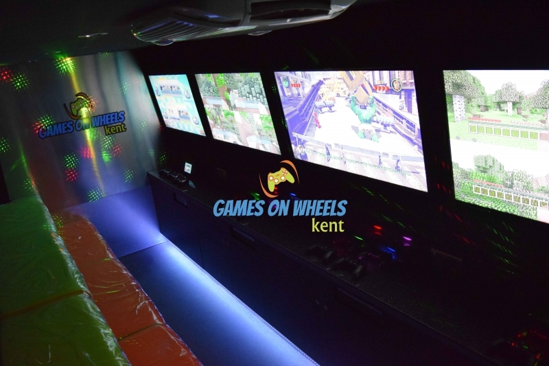 VIDEO GAMING PARTY BUS